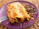 Рецепта Печени канелони с кайма, маслини и кашкавал на фурна